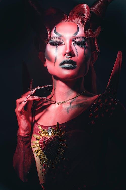 Foto profissional grátis de aparência gótica, arte, atraente