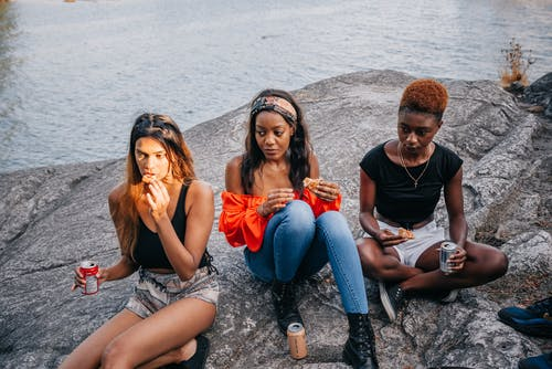 Fotobanka sbezplatnými fotkami na tému chodenie von za zábavou, kamaráti, multikultúrny
