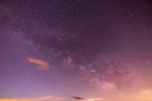 Foto d'estoc gratuïta de a l'aire lliure, astronomia, cel, cel estrellat