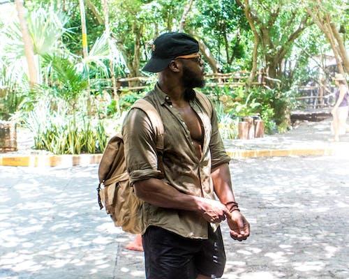 Безкоштовне стокове фото на тему «афроамериканський чоловік, вираз обличчя, відпочинок, Денне світло»