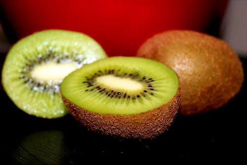 Free stock photo of fruit, green, kiwi
