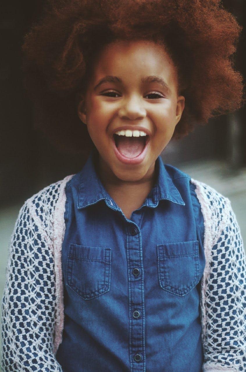 Kostenloses Stock Foto zu afro, fotoshooting, gesichtsausdruck, jung