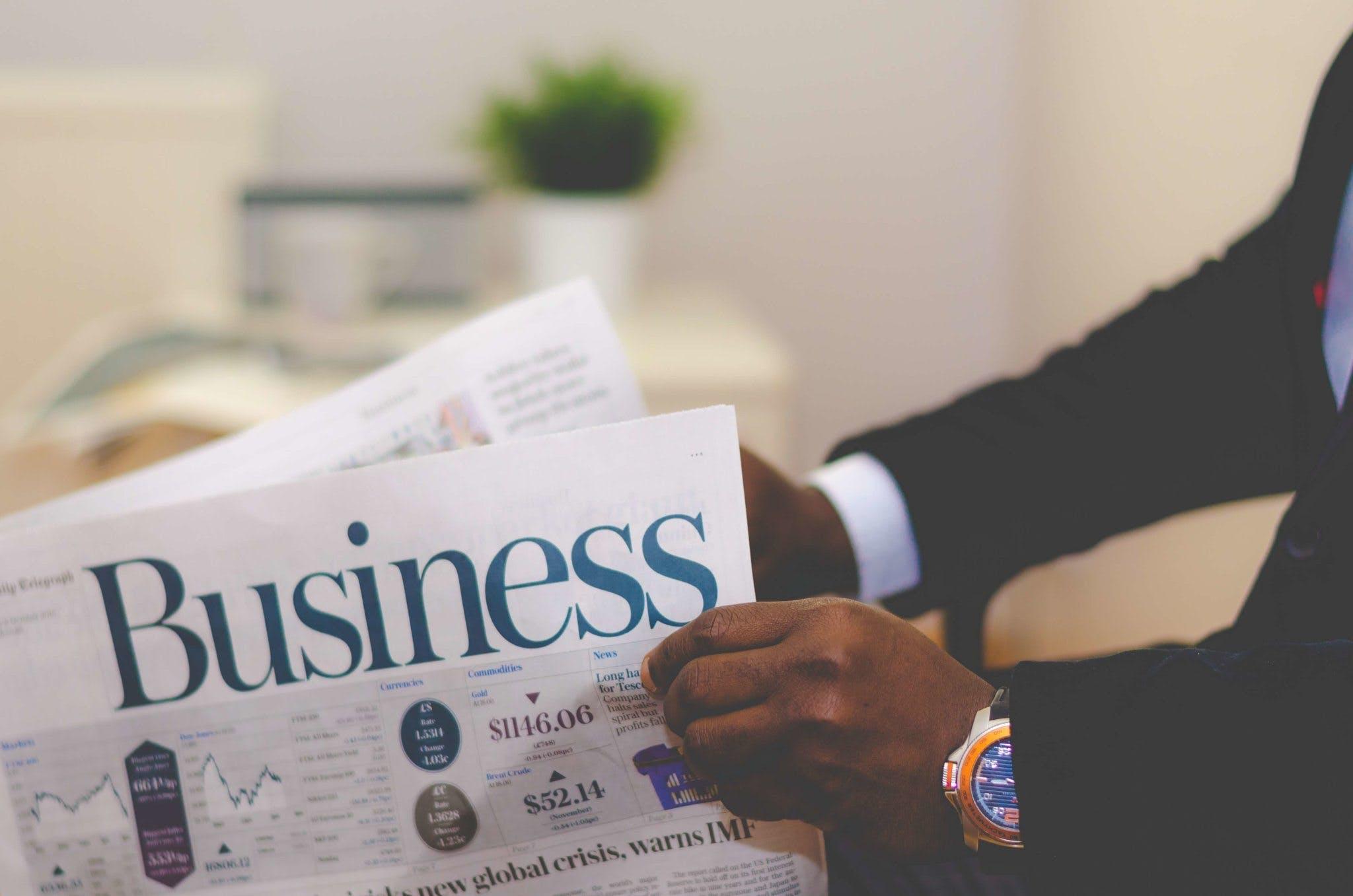 Kostenloses Stock Foto zu black male, business, drinnen, hände