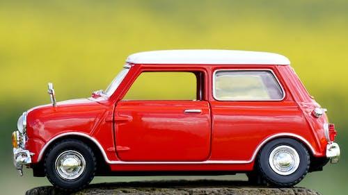 Gratis arkivbilde med leke, mini bil, modell, rød