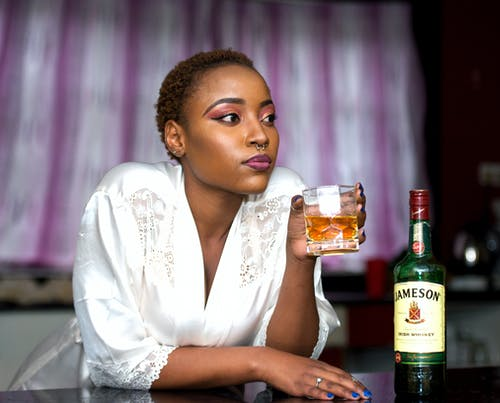 Immagine gratuita di alcol, bar, bevanda, bicchiere