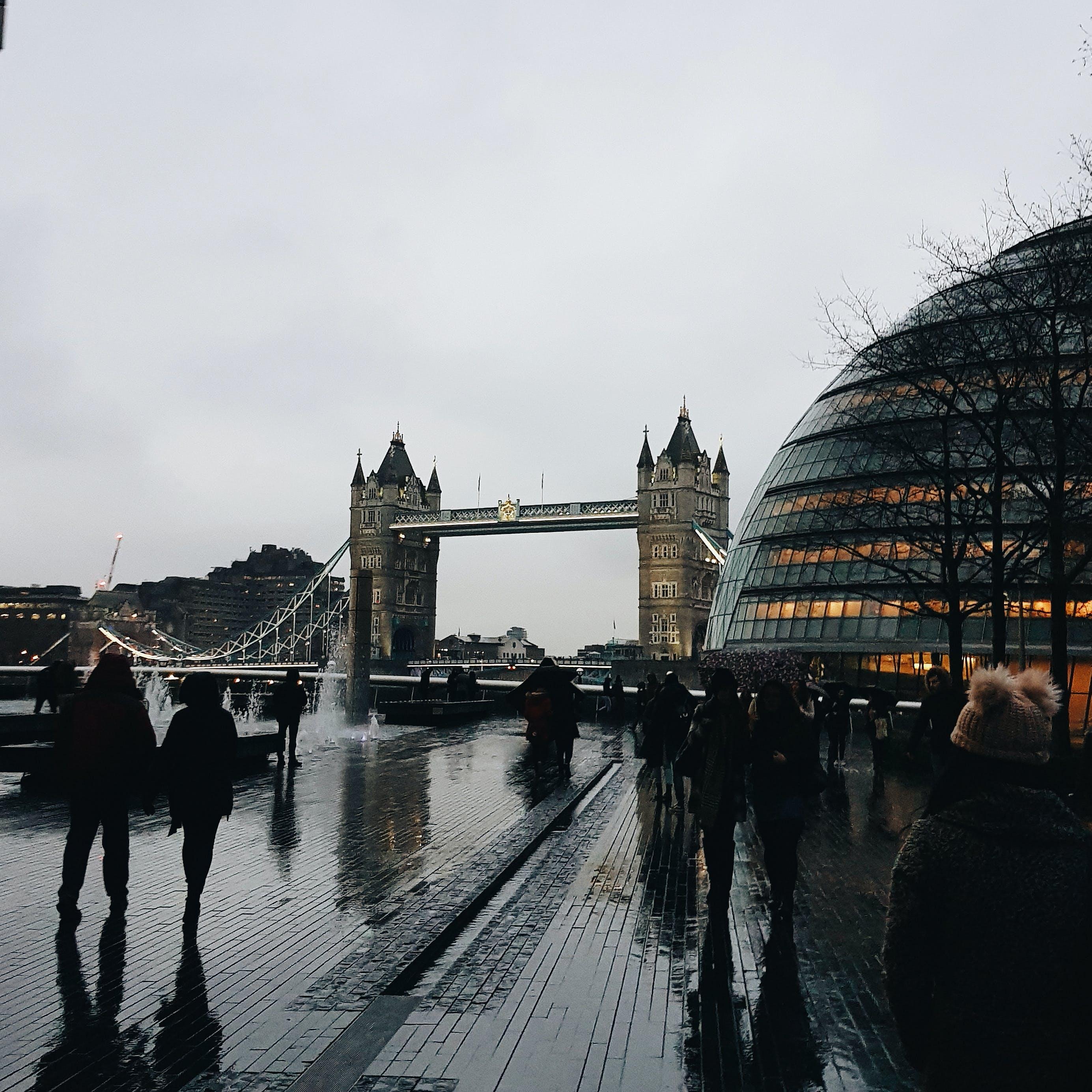 Základová fotografie zdarma na téma architektura, budova, dopravní systém, lehký
