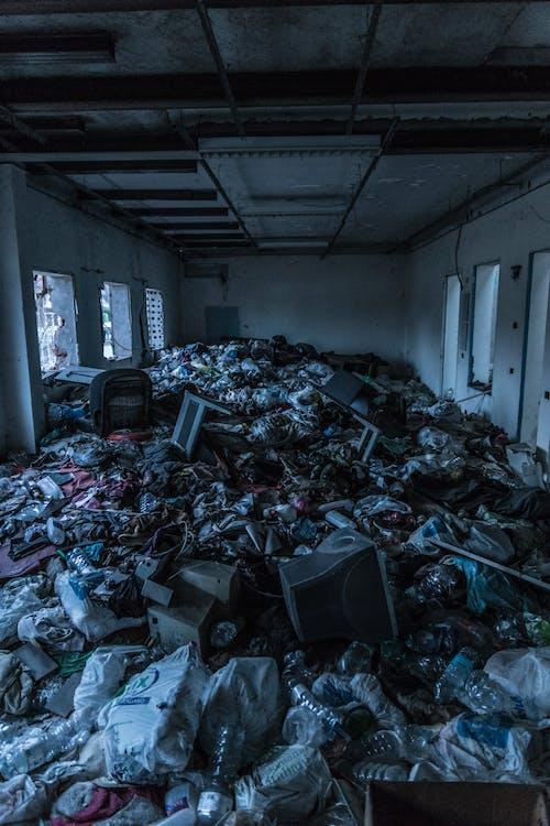 Immagine gratuita di abbandonato, camera, cianfrusaglie, decadimento