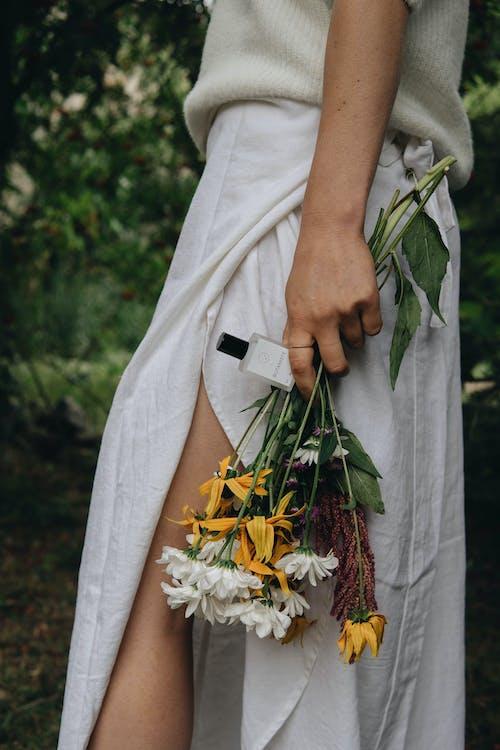 Základová fotografie zdarma na téma hřbitov, kytka, láska