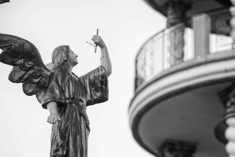 Základová fotografie zdarma na téma anděl, architektura, černobílá, denní