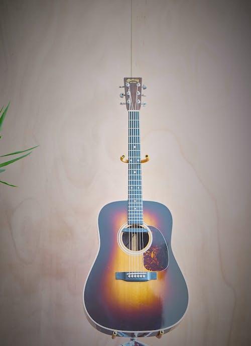 gerritt tisdale, gitar, martin gitar, martin hd28 içeren Ücretsiz stok fotoğraf