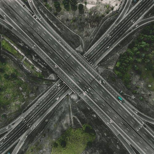 Základová fotografie zdarma na téma asfalt, auta, dopravní systém, letecký