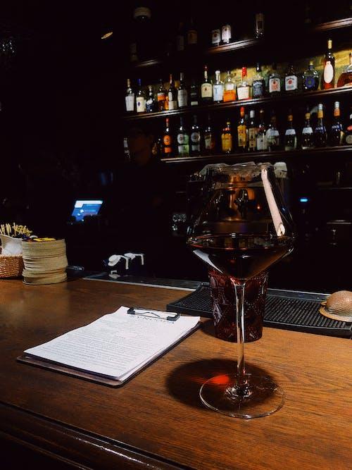 Fotobanka sbezplatnými fotkami na tému alkohol, bar, bourbon
