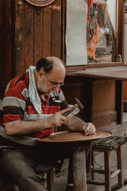 Gratis lagerfoto af arbejdskunst, bord, briller