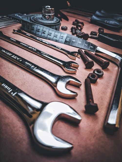 Foto profissional grátis de aço inoxidável, chave inglesa, close