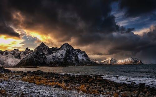 Darmowe zdjęcie z galerii z burza, dramatyczny, góra