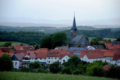 Foto profissional grátis de aldeia, Alemanha, árvore, árvores
