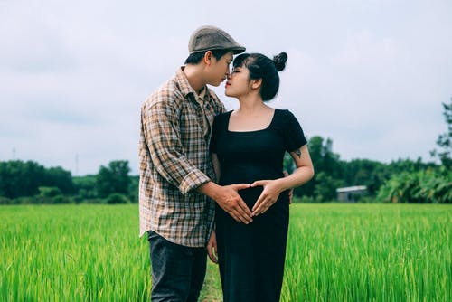 Expecting Parents in a Field