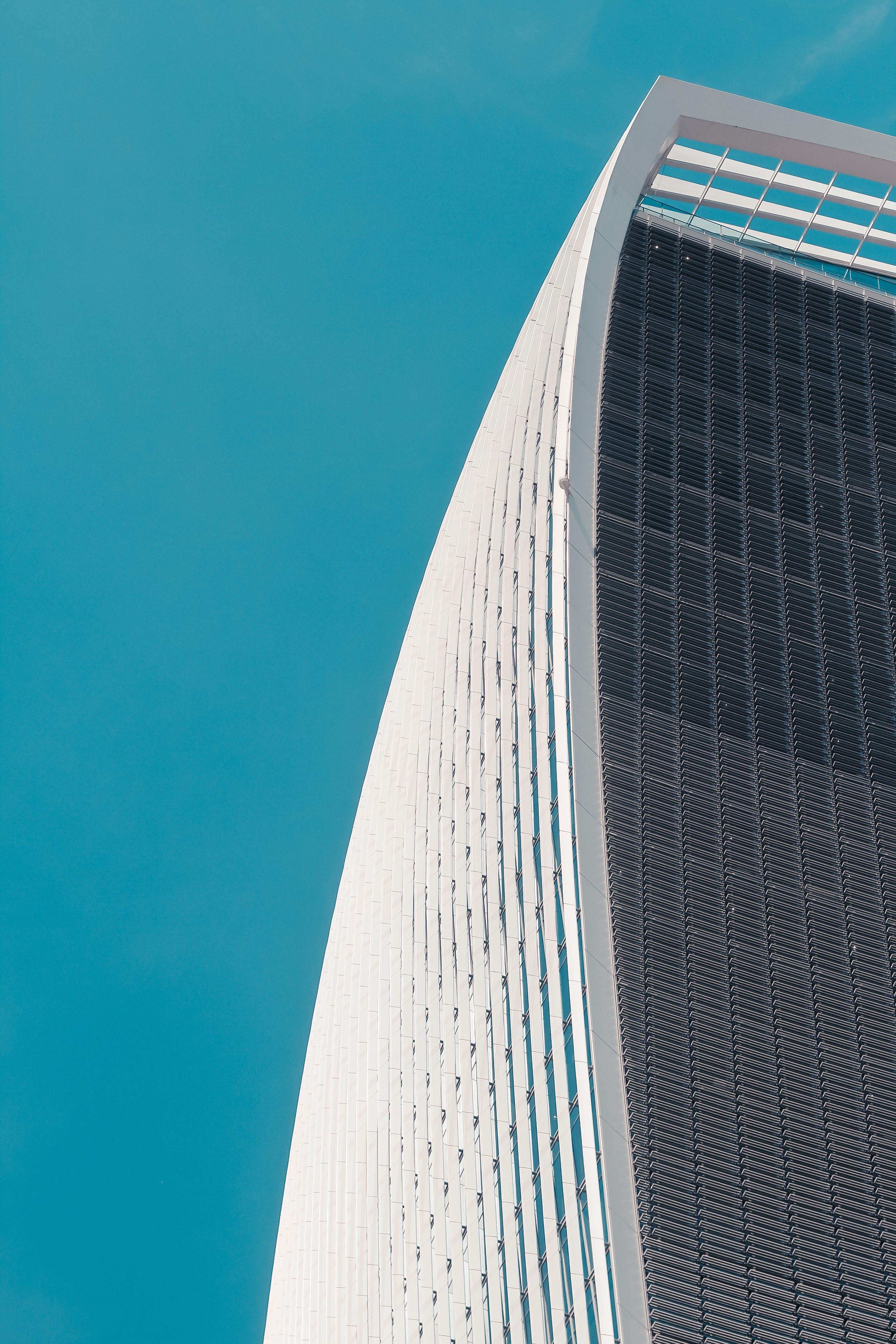 Gratis lagerfoto af arkitektdesign, arkitektur, blå, blå himmel