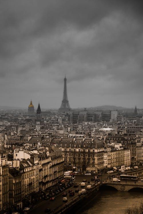Kostenloses Stock Foto zu architektur, brücke, dom, dramatischer himmel