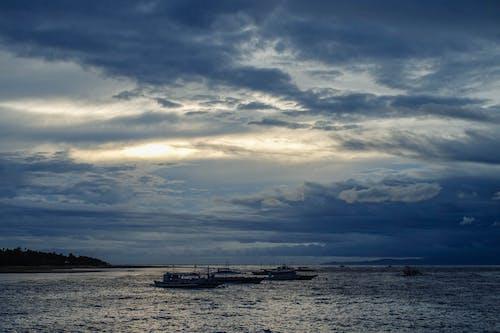 Ingyenes stockfotó aranyóra, csónakok, este, felhők témában