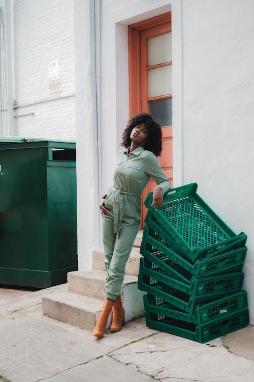 Základová fotografie zdarma na téma afroamerický, dospělý, hnědá