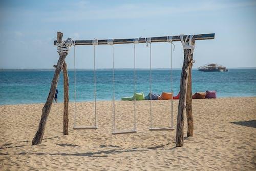 搖擺, 水, 沙灘椅, 海 的 免费素材照片