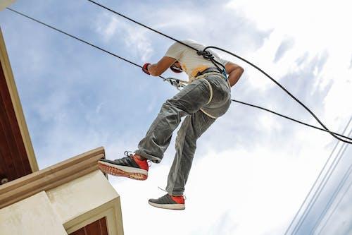 Foto stok gratis awan, bahaya, dewasa, harness