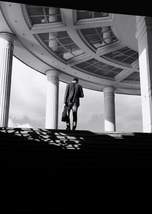 Foto profissional grátis de colunas, copo, de pé