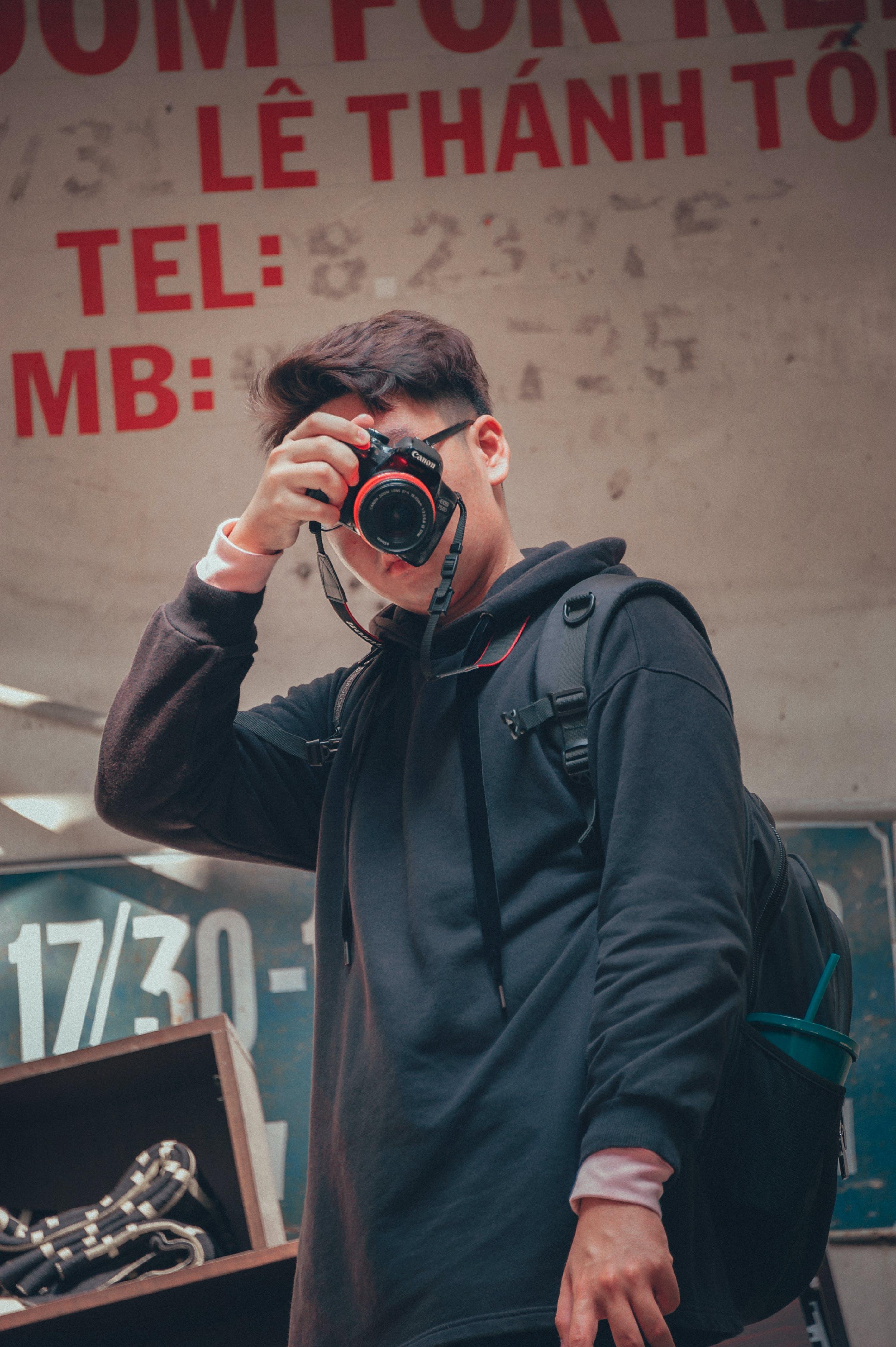 Kostenloses Stock Foto zu fashion, mann, person, kamera