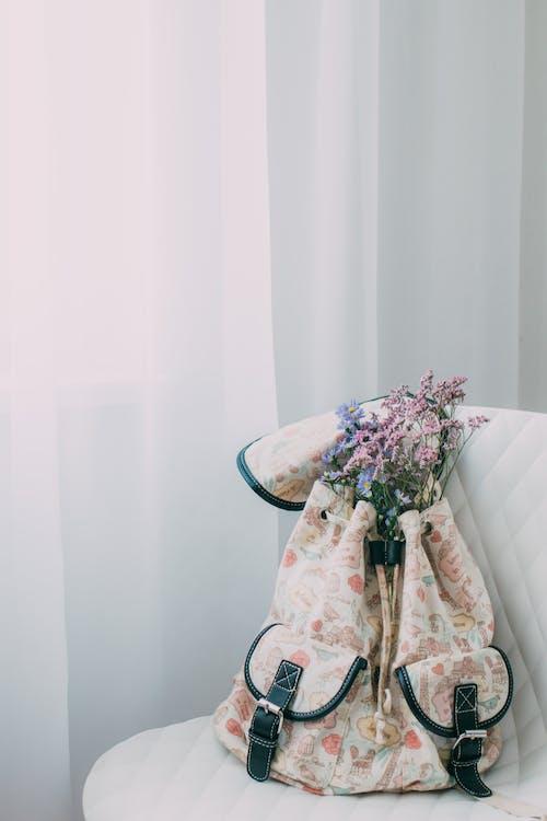 Foto stok gratis bangku, berpola, berwarna merah muda