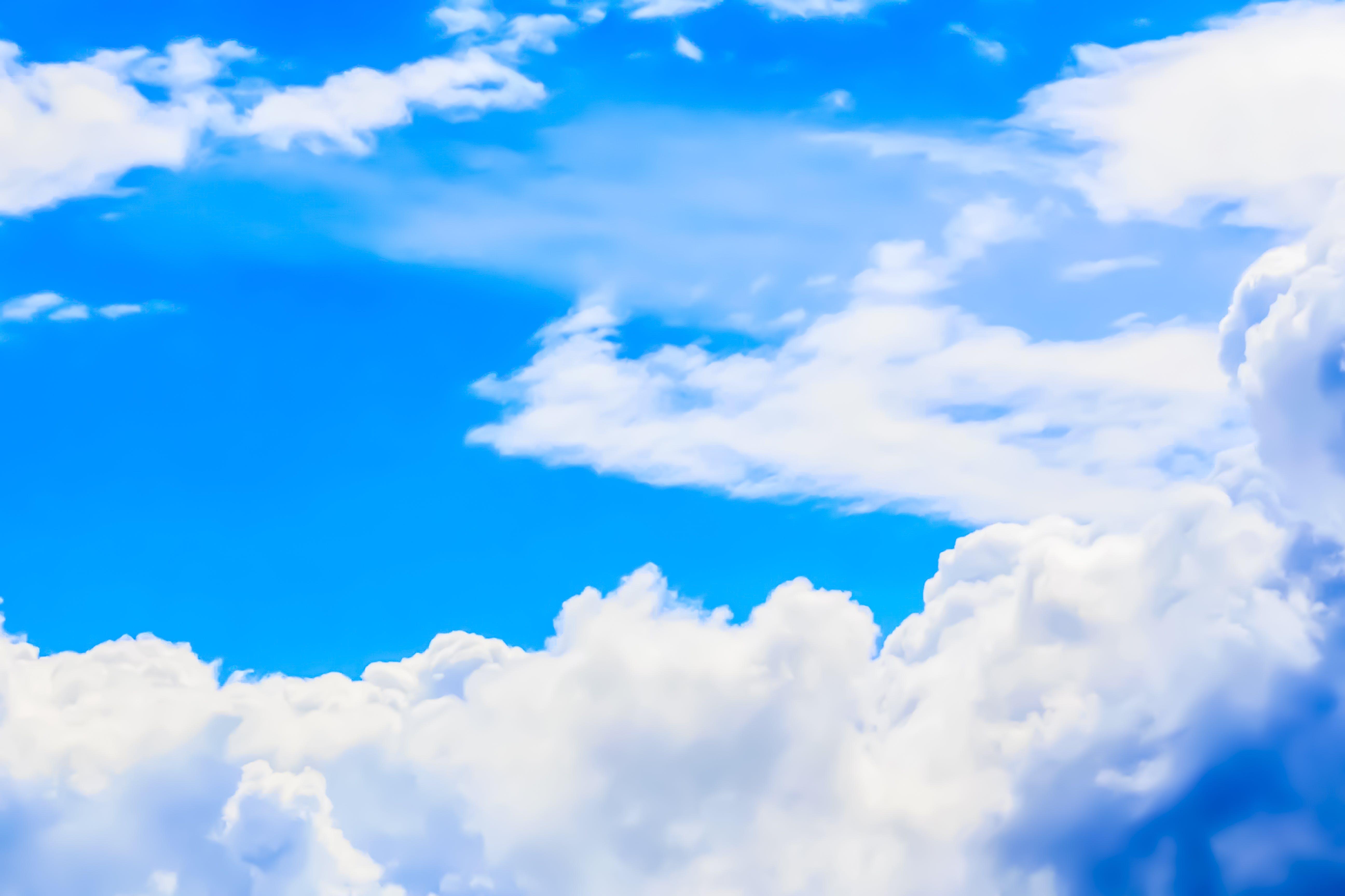 Kostenloses Stock Foto zu blauer himmel, himmel, klarer himmel, milchige wolken