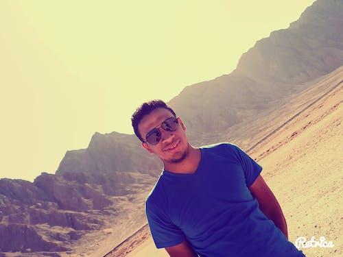 남자, 사막, 산, 소년의 무료 스톡 사진
