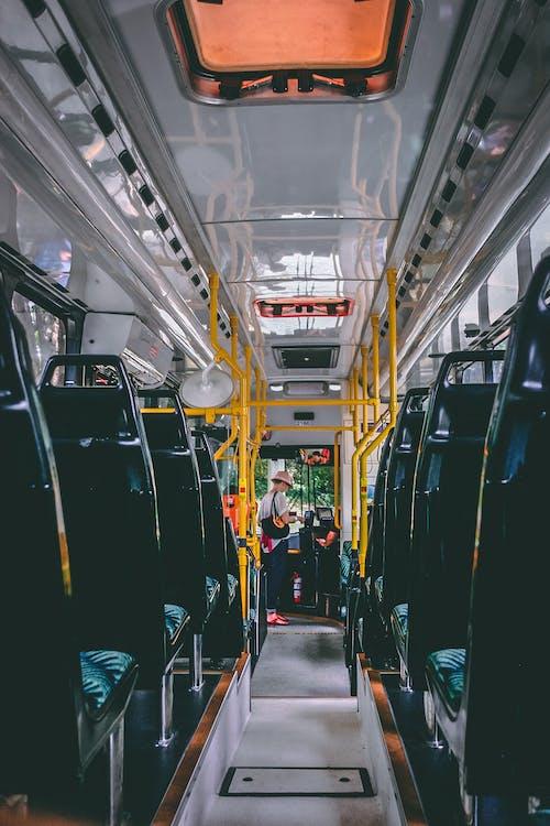 Безкоштовне стокове фото на тему «автобус, бізнес, відправлення, всередині»