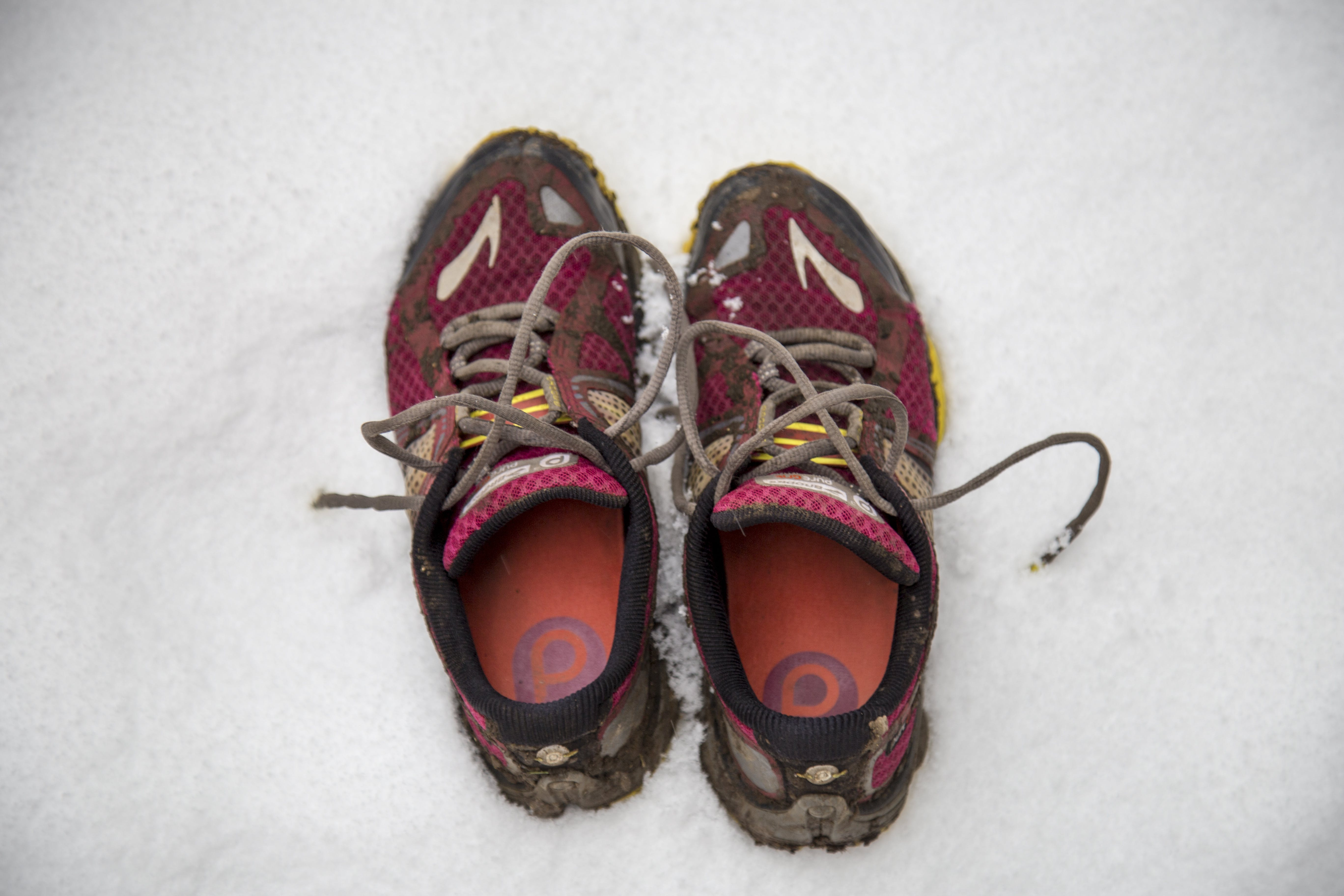 Free stock photo of bright snow, brooks, brooks trainers, dirty