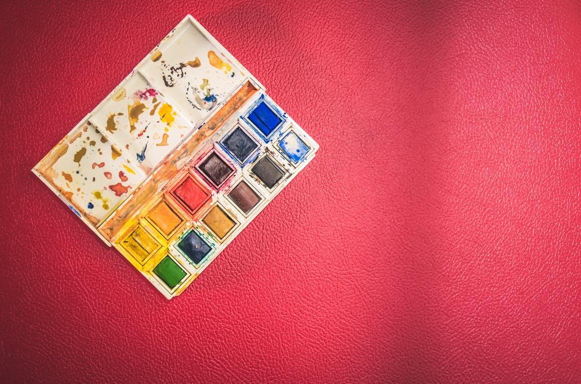 aquarelas, cores, dentro de casa