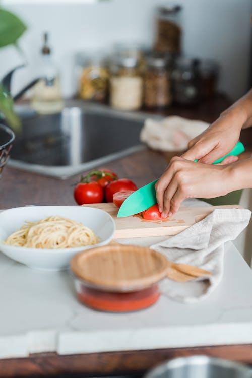 Foto d'estoc gratuïta de cuinant, estris de cuina, fresc