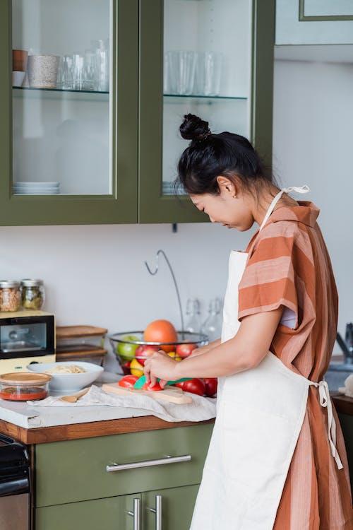 Immagine gratuita di affettando, bancone della cucina, chef