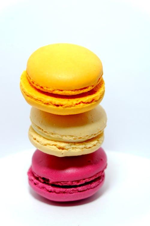 Ilmainen kuvapankkikuva tunnisteilla appelsiini, keltainen lisää sijainti lähetä haastaa, macarons, macaroon-leivokset