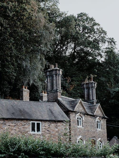 건물 외관, 건물 정면, 굴뚝의 무료 스톡 사진