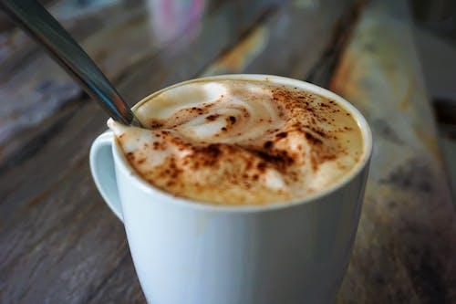 Kostenloses Stock Foto zu cappuccino, gebrühter kaffee, kaffee, tasse