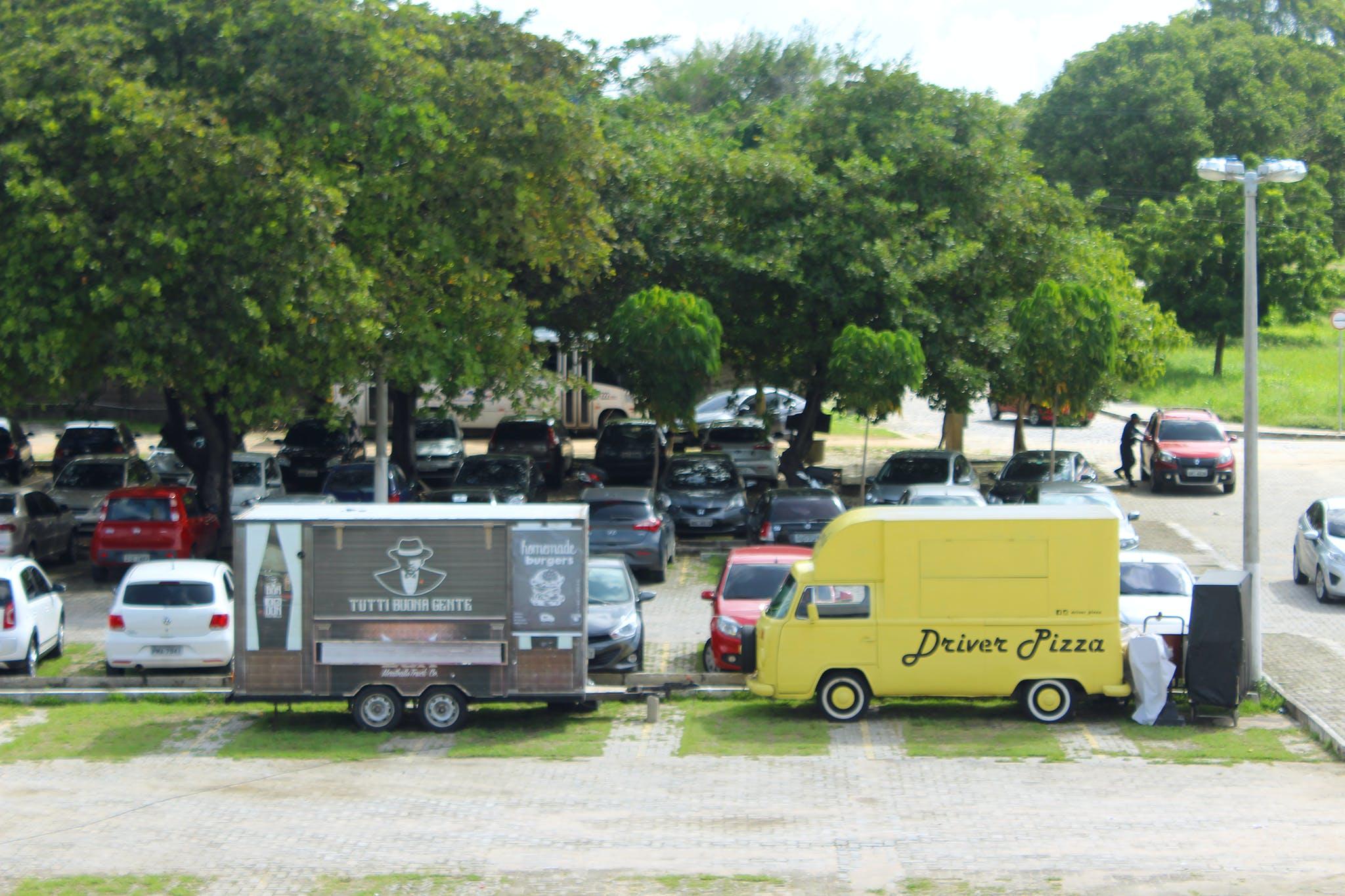 Free stock photo of Komb, parking, yellowcar
