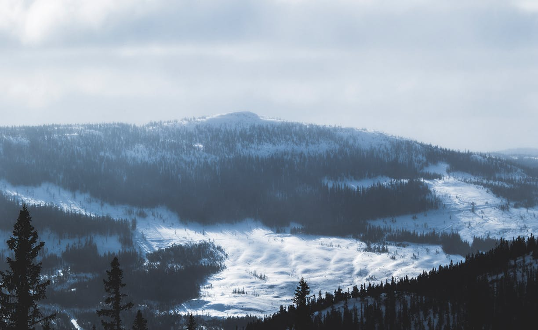 bergen, bergtop, besneeuwd