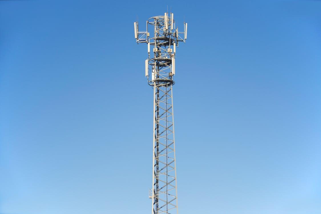 Безкоштовне стокове фото на тему «антена, блакитне небо, вежа»
