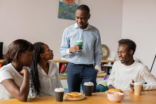 Fotos de stock gratuitas de afroamericano, colegas, compañeros de oficina