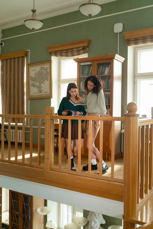 Foto stok gratis anak, Arsitektur, balkon