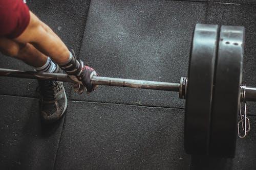 Бесплатное стоковое фото с металл, мужчина, мускулистый, нога
