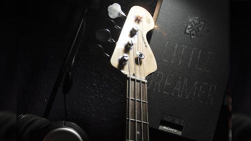 低音, 低音吉他(樂器), 低音吉他課, 低音獨奏 的 免費圖庫相片