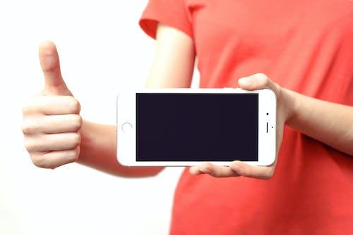 Základová fotografie zdarma na téma bezdrátový, červená, chytrý telefon, elektronika