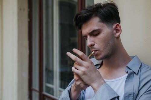 Foto profissional grátis de adulto, ao ar livre, apartamento