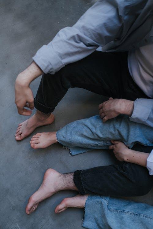 Free stock photo of adult, barefoot, boyfriend